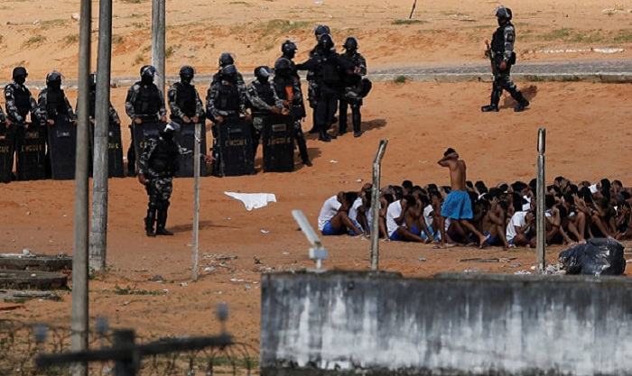 About hundred inmates escape after deadly Brazil prison riot