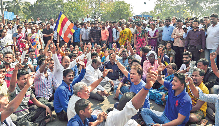 Indian caste protests hit Mumbai