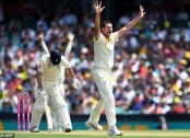 Australia snare Cook on review to rock England