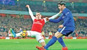 Bellerin rescues Arsenal in Chelsea thriller
