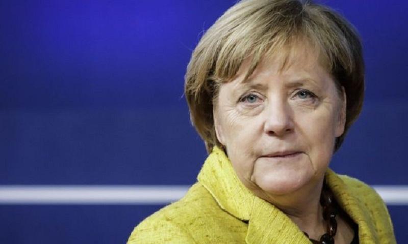 Germany coalition: Merkel courts SPD as pivotal talks begin