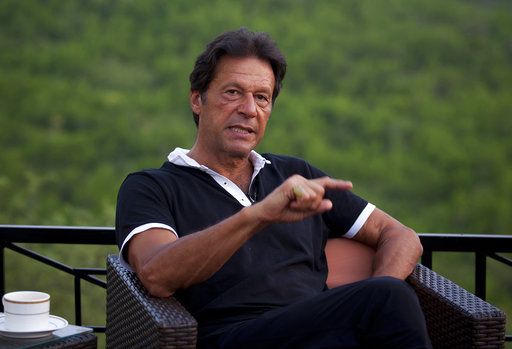 Pakistan cricket star Imran Khan wants to marry faith healer