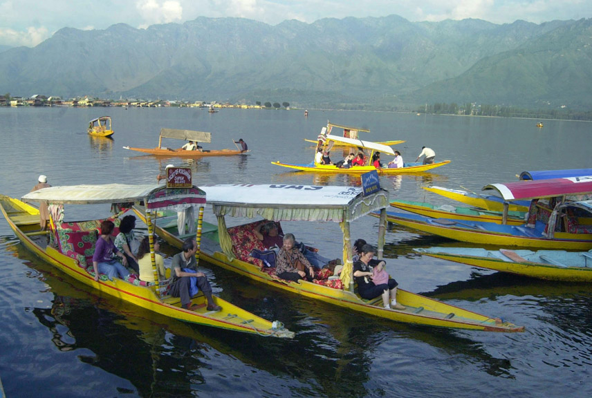Bangladesh 3rd tourist sending country to Kashmir