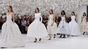 Dior Paris fashion exhibition breaks 112-year record