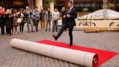 Golden Globes rolls out red carpet