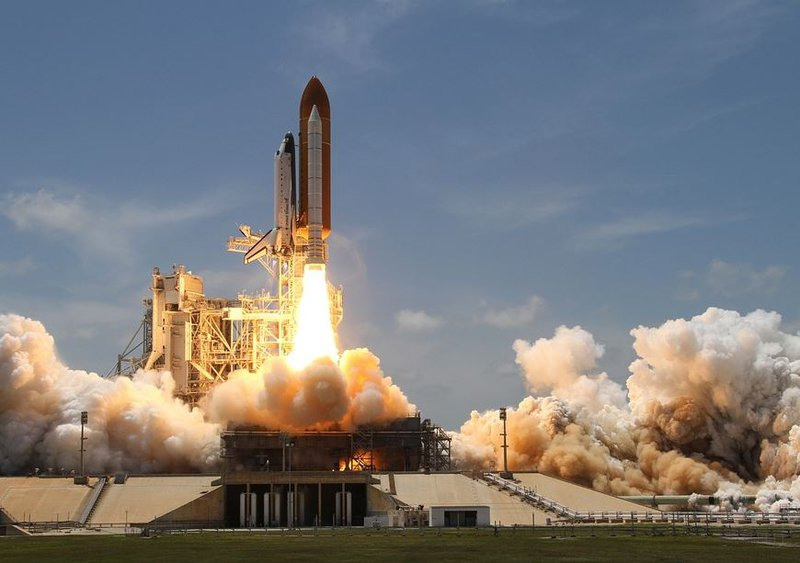 SpaceX launches secretive Zuma mission