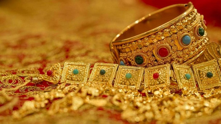 Gold prices go up nearly Tk 1,400 a bhori in the local market