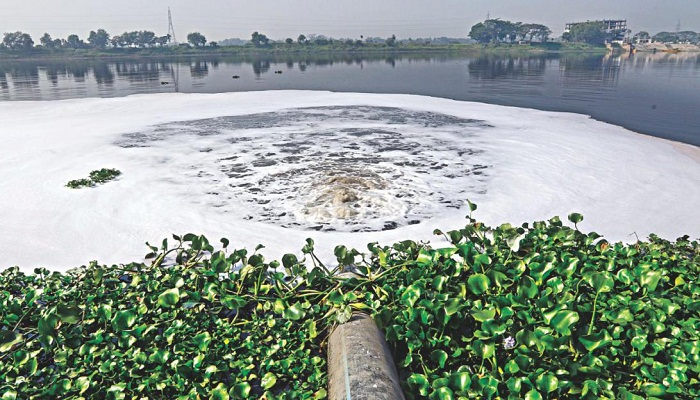Now tannery wastes polluting Dhaleshwari