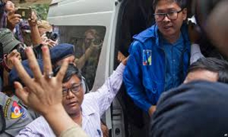 Arrested Reuters journalists appear at Myanmar court hearing