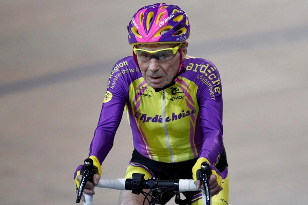 106-year-old French cyclist finally decides to hang up his helmet