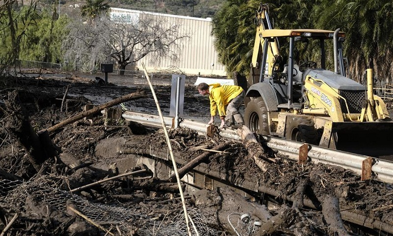 California mudslides death toll rises to 17 with 13 still missing