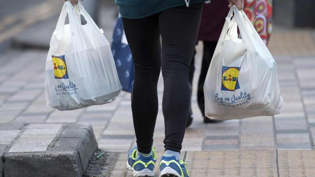 UK plans to eliminate avoidable plastic waste by 2042