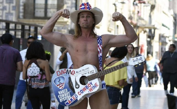 Naked Cowboy sings for Trump in Mexico