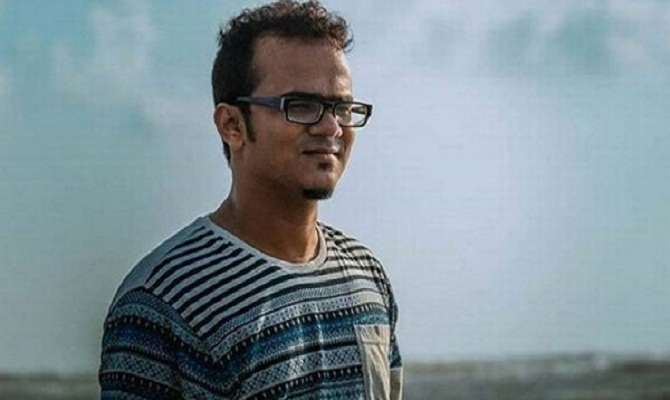 Film director Anonno Mamun released from Malaysian police custody