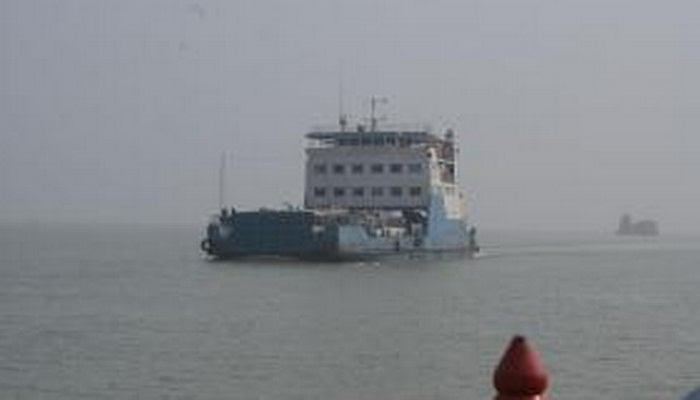 Ferry services on Horina-Shariatpur rout resume after 12 hours