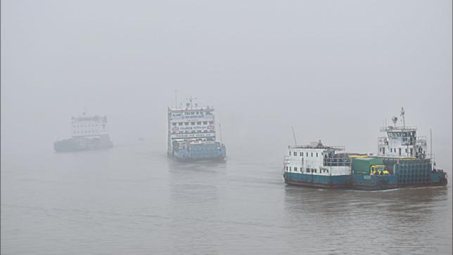 Ferry service on Paturia-Daulatdia route resumes after 6 hours