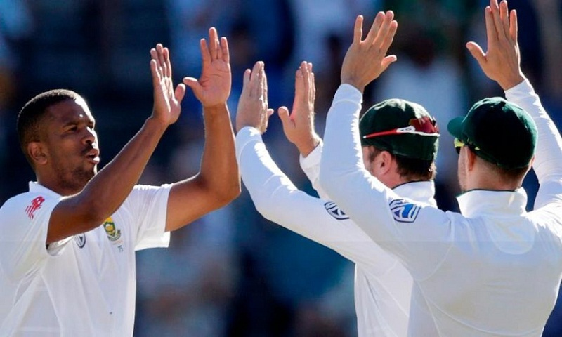 2nd Test: Early blows put India in trouble
