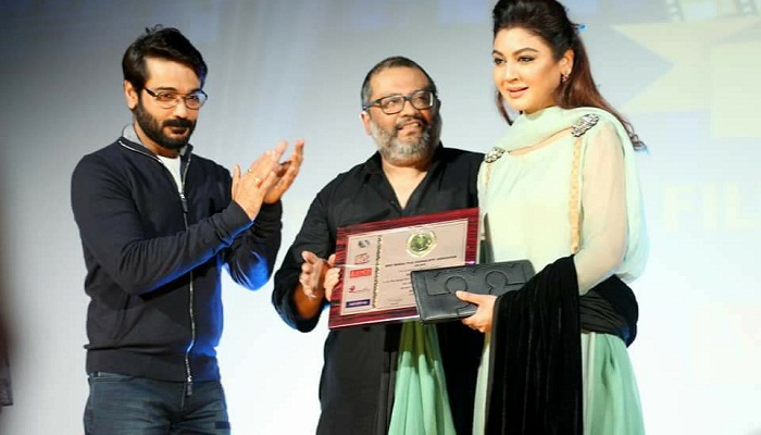Jaya wins West Bengal Film Journalists' Association Award