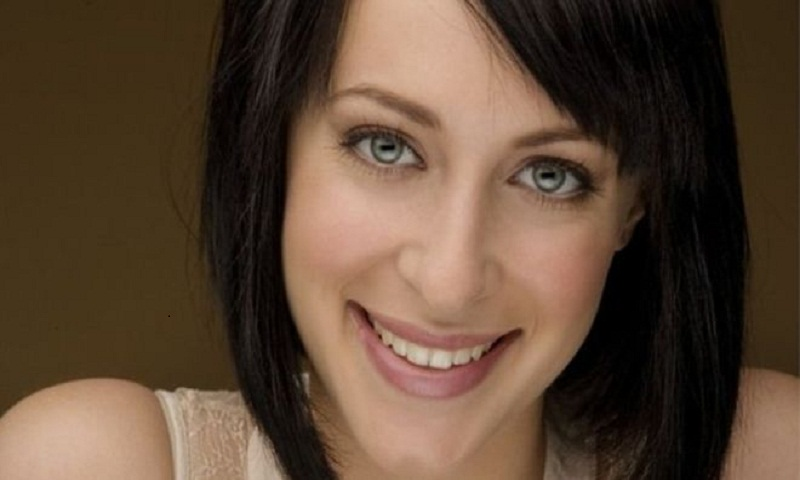 Jessica Falkholt: Home and Away actress has died, hospital says