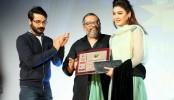 Jaya wins West Bengal Film Journalists' Association Award