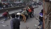 50 hurt during clash with hawkers in Narayanganj