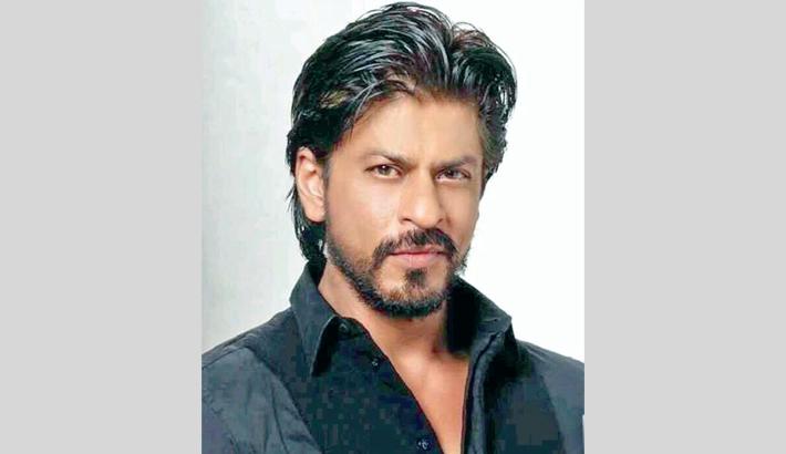 Shah Rukh Khan turns a photo editor