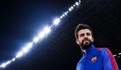 Pique extends Barcelona deal