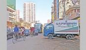 Vehicles of SA Paribahan remain parked haphazardly