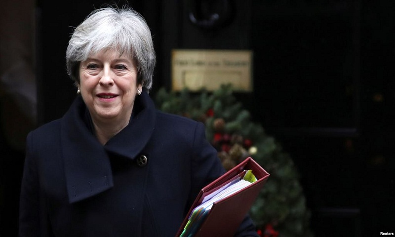 Britain wants comprehensive trade deal with EU, May says