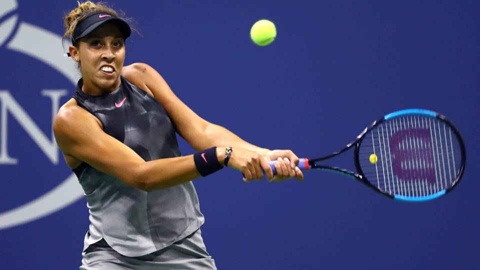 Smooth Keys glides into last 16 at Open