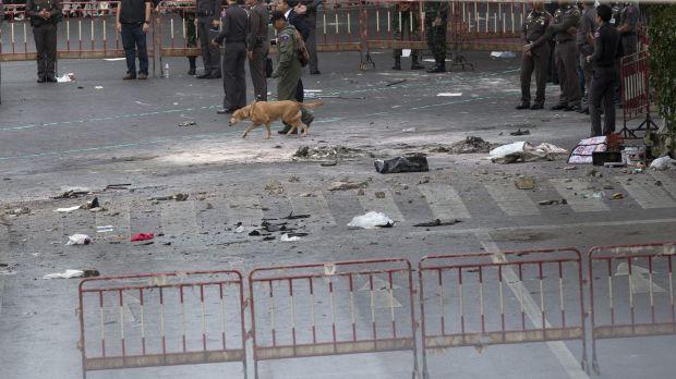 Bombing at market in southern Thailand kills 3, injures 18