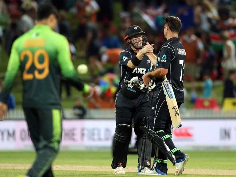 New Zealand beat Pakistan by seven wickets in opening T20