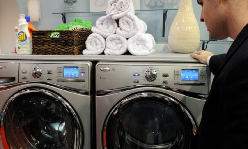 US imposes tariffs on washing machines and solar panels