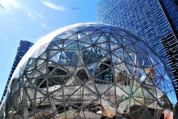 Contest for second Amazon HQ heats up as finalists named