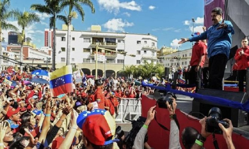 Venezuela: Maduro ready to stand in early presidential poll