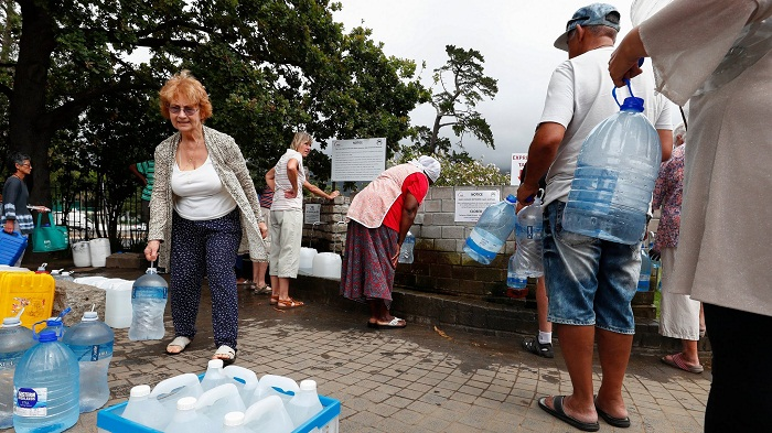 Cape Town residents urged to turn off toilet taps