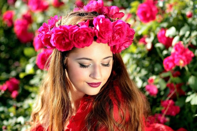 Fashion designer reveals how to get that perfect floral look
