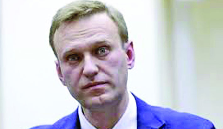 Navalny freed after thousands rally against Putin