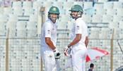 Riyad reaches  2000 runs  in Test