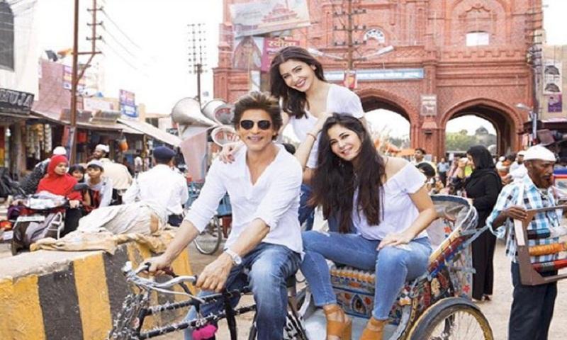 Shah Rukh Khan goes on a tricycle ride with Katrina Kaif and Anushka Sharma