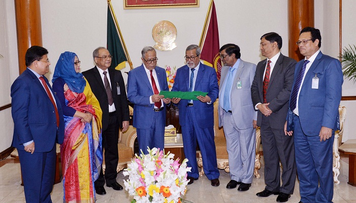 Abdul Hamid receives gazette of presidency