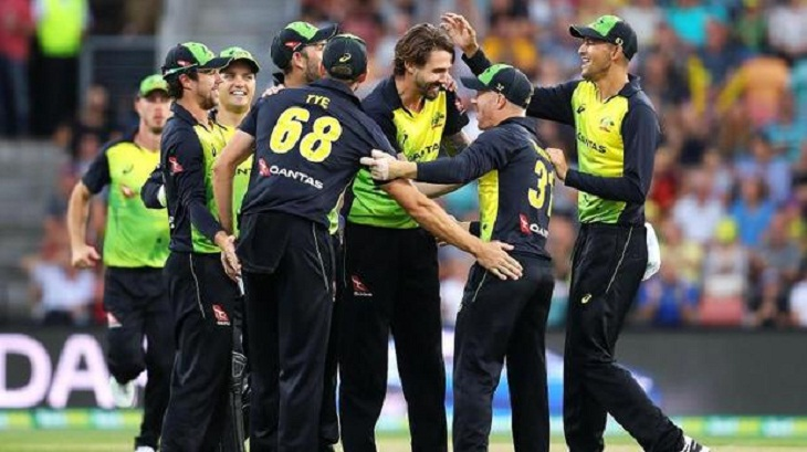 Australia hammer England by 7 wickets in T20 win