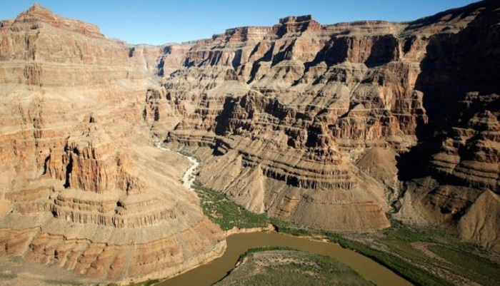 Grand Canyon helicopter crash kills three