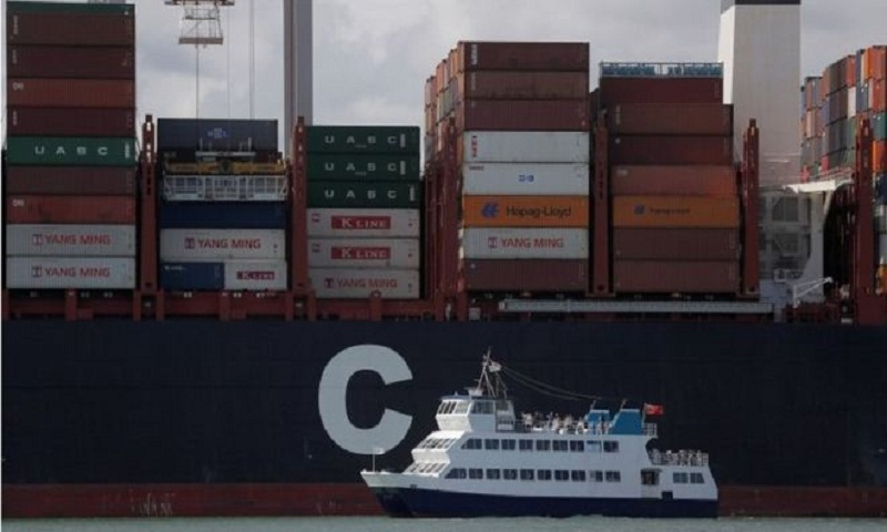 UK trade deficit widens in December