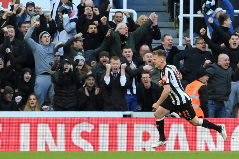 Newcastle rock Manchester United, Liverpool sink Southampton