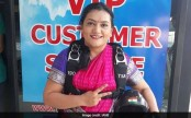 Indian girl sets new record -- skydiving in sari!