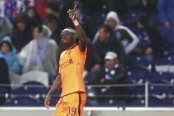 Mane scores hat trick as Liverpool routs Porto 5-0