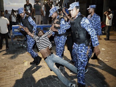 Maldives police break up opposition protests; many injured