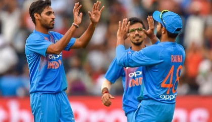 Kohli limps off as India beat South Africa in first T20