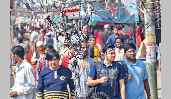 Live electric wires on Ctg footpaths turn death trap